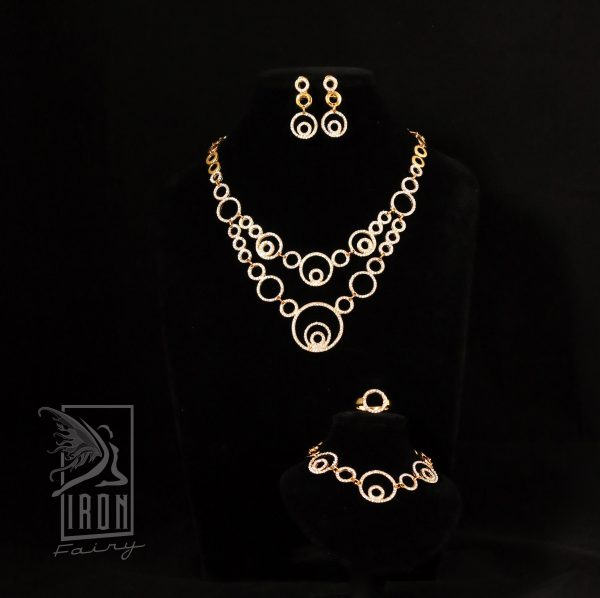 Eye Catching Gold Circle Jewellery Set